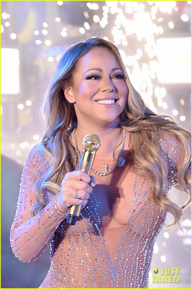 Here\'s What Happened to Mariah Carey During New Year\'s Eve 2017 ...