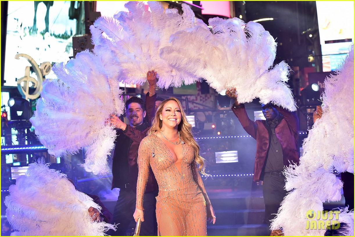 Here's What Happened to Mariah Carey During New Year's Eve ... Mariah Carey New Years Eve