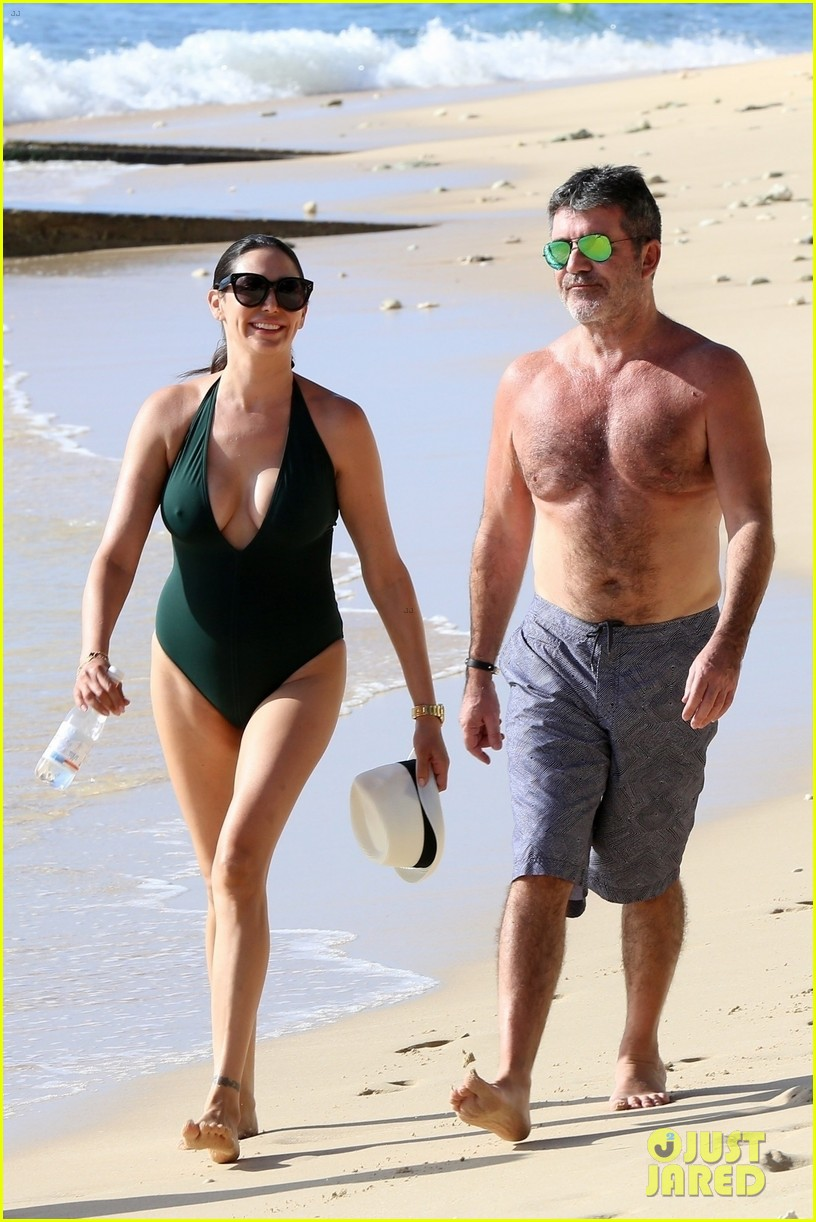 simon cowell goes shirtless at the beach with longtime love lauren silverman 034002085