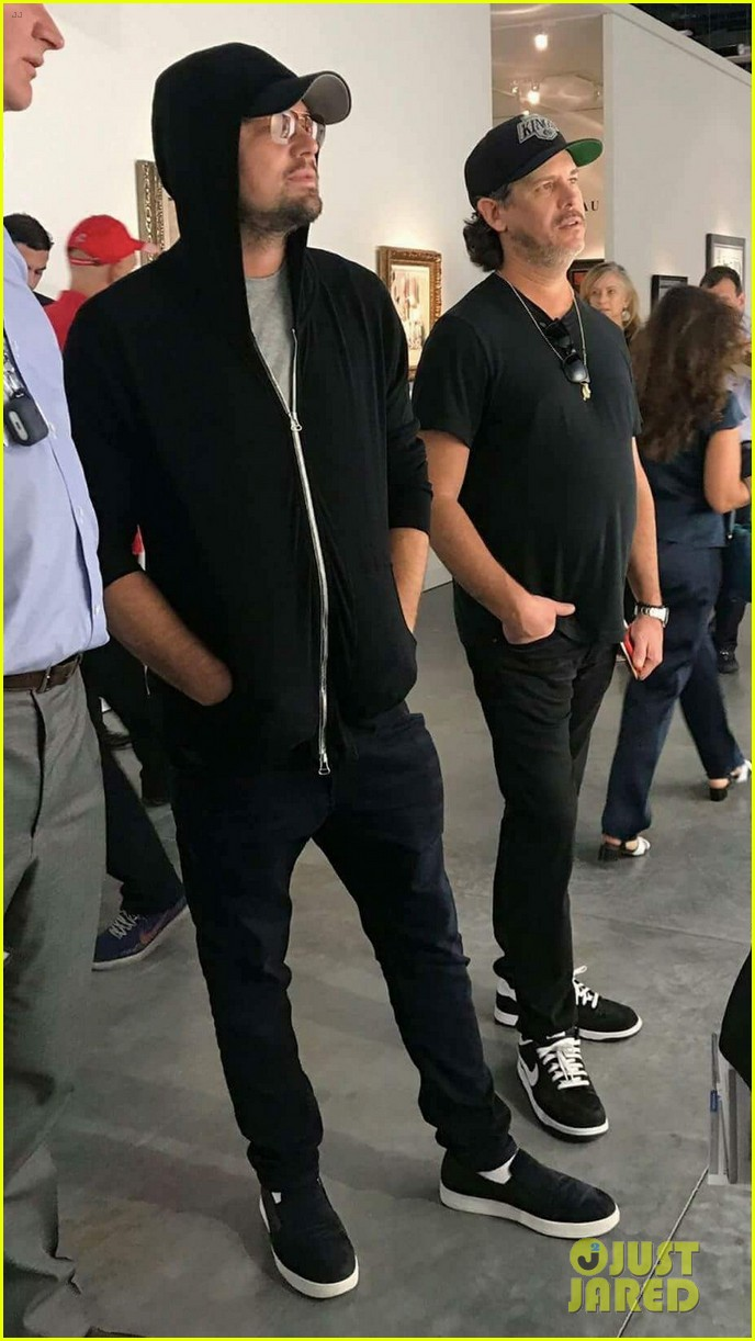 leonardo dicaprio keeps a low profile at art basel in miami 013998430