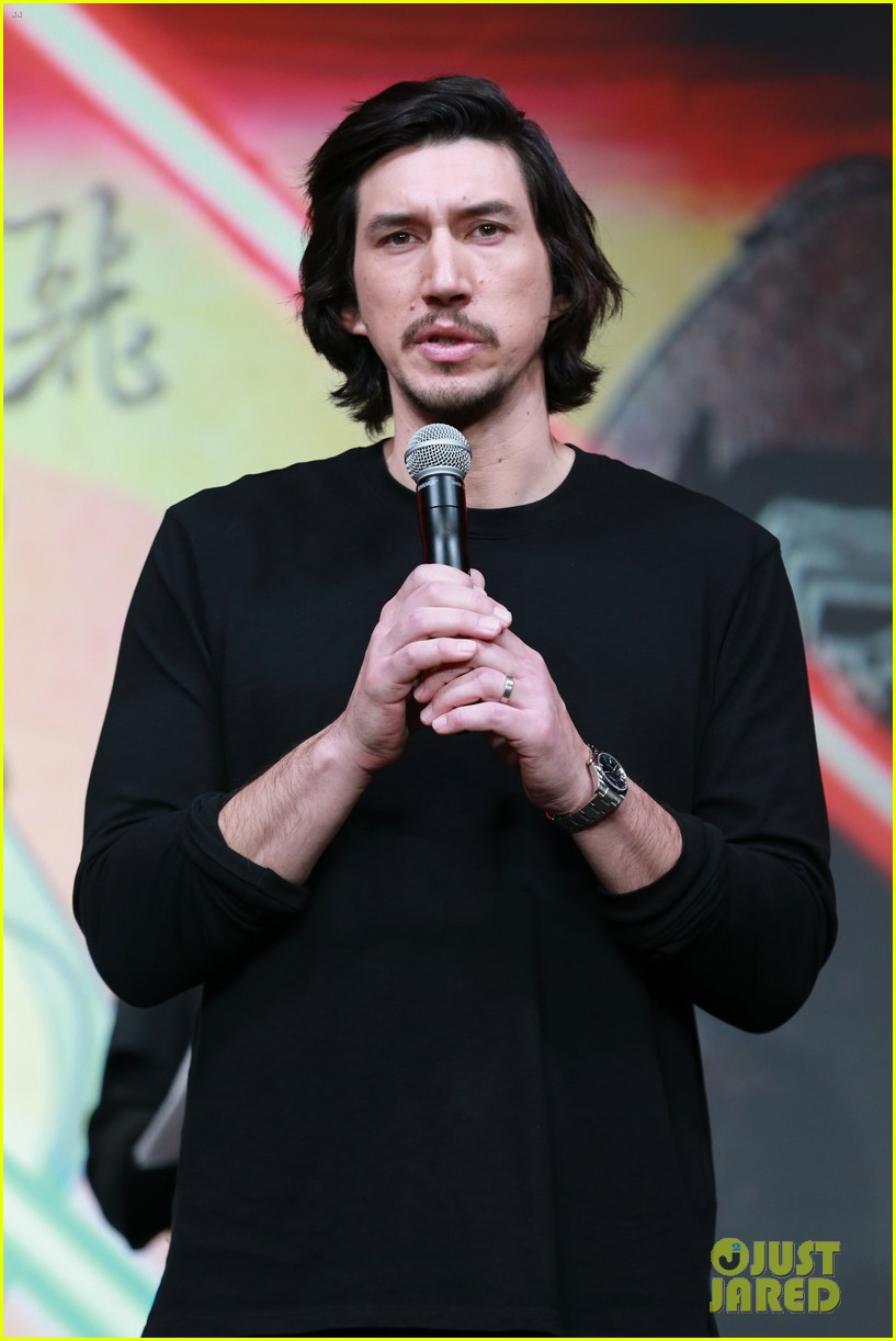 adam driver wants to be surprised by future star wars episodes 043998263