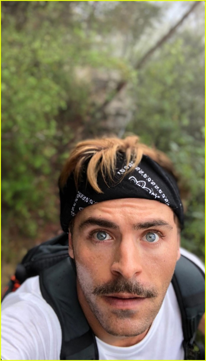 zac efron goes shirtless for christmas day hike 014004677