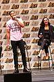 gal gadot henry cavill justice league cast close out ace comic con 02