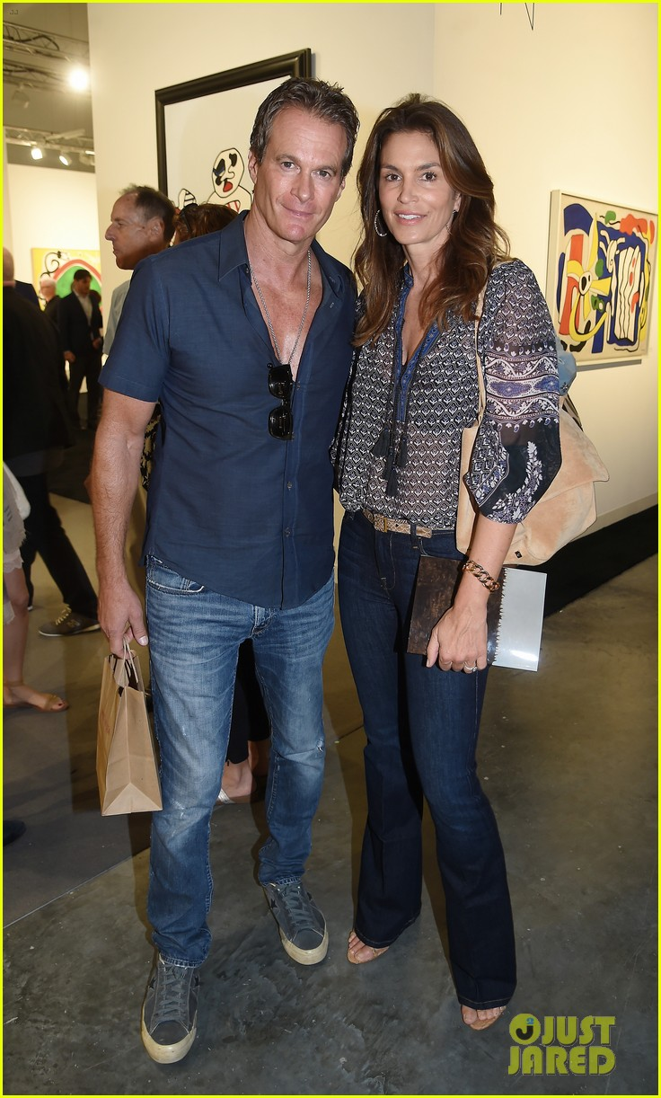 cindy crawford hubby rande gerber hit miami for art basel 023998317