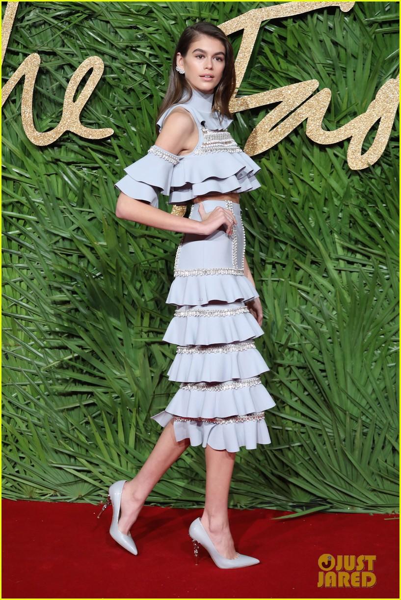 kaia gerber fashion awards 2017 053996859