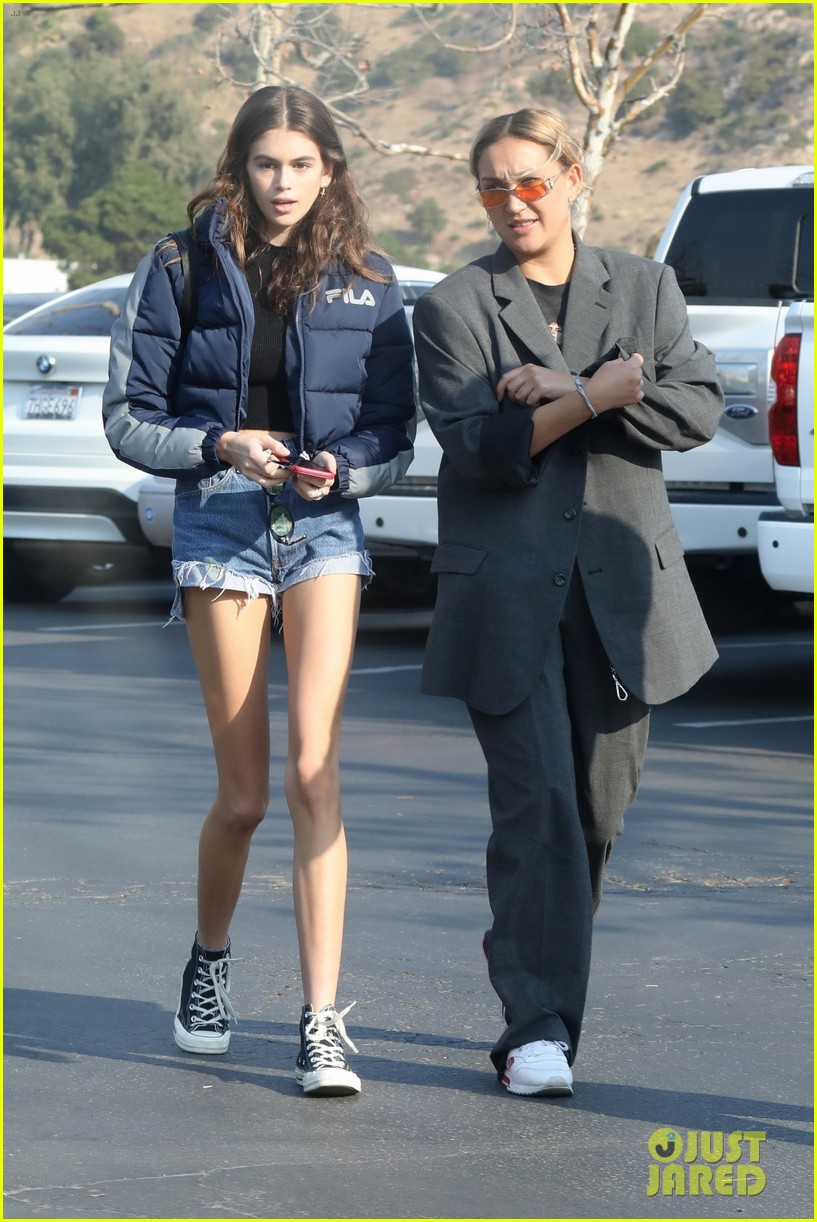 kaia gerber rocks short shorts for afternoon outing 014003144