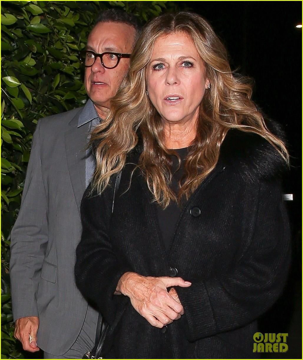Tom Hanks & Rita Wilson Double Date With Bryan Cranston ...