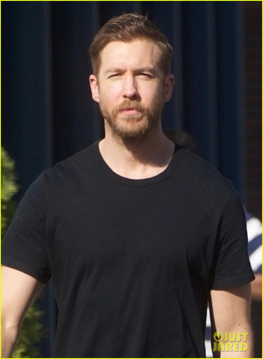 Calvin Harris Shows Off His Growing Beard in Beverly Hills ... Nathan Kress Full Beard