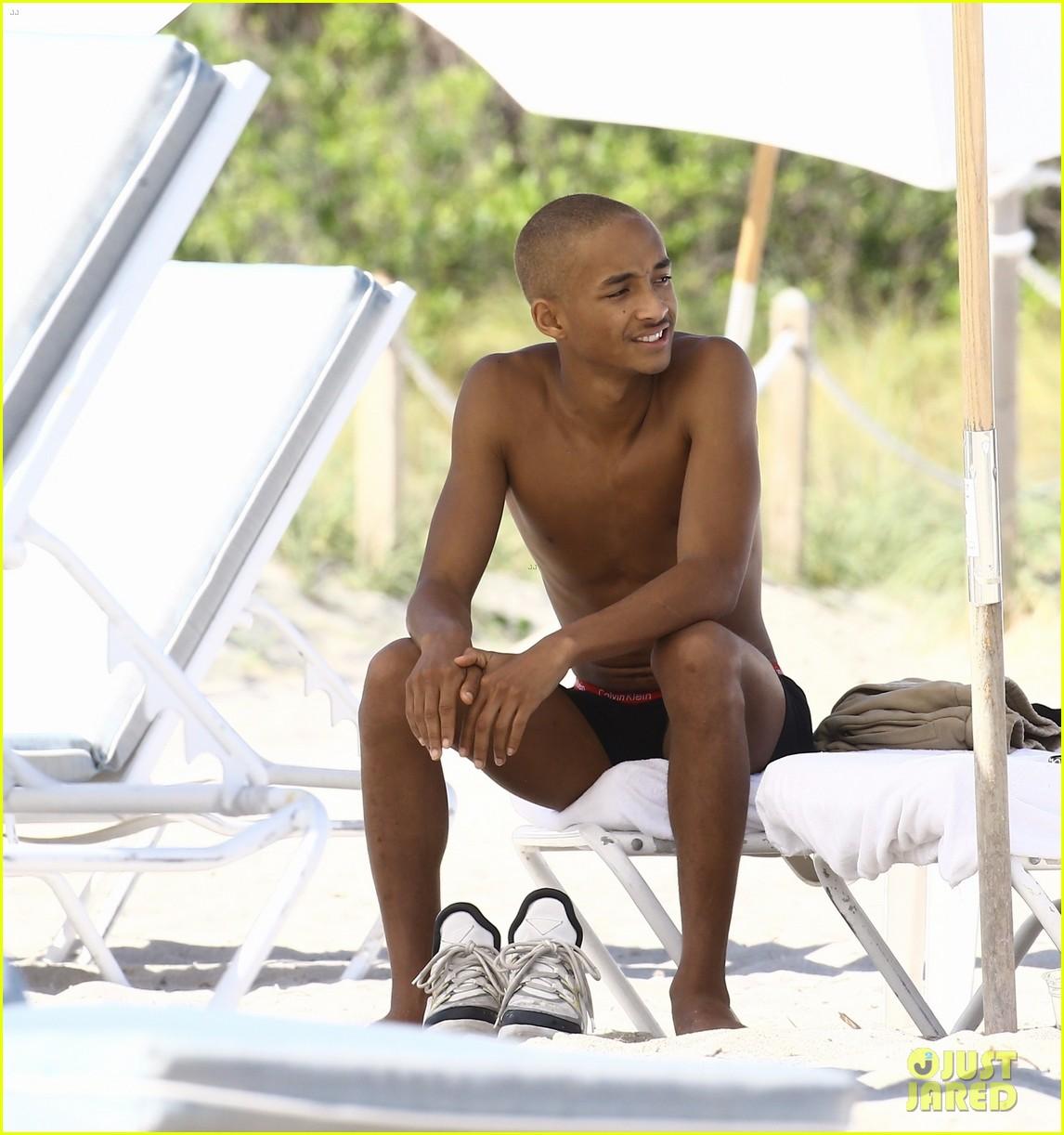 jaden smith beach shirtless 063998352