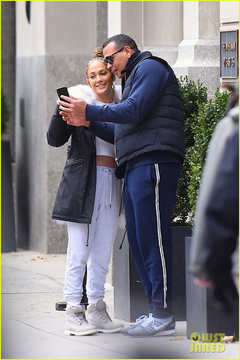 jennifer lopez alex rodriguez couple up in nyc 063998031