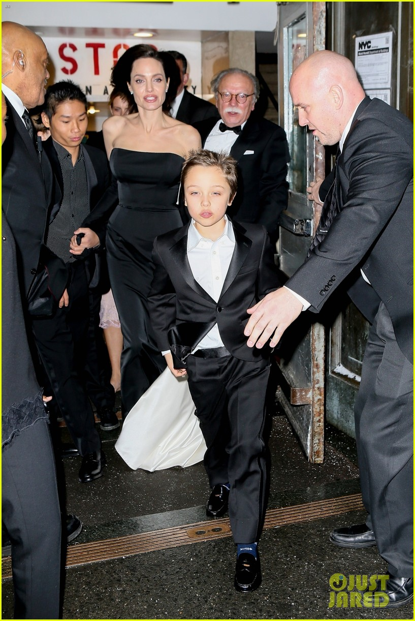 angelina jolie her kids get dressed up for black tie event 044002094