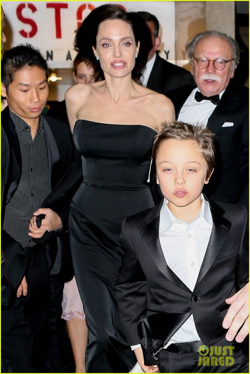 angelina jolie her kids get dressed up for black tie event 064002096