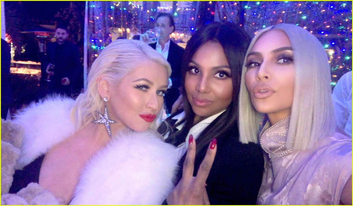 Kim Kardashian Hangs with Christina Aguilera at Christmas ...