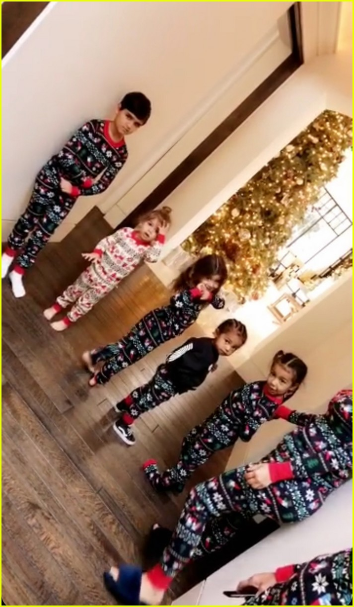 Pregnant Kylie Jenner Joins Her Family On Christmas