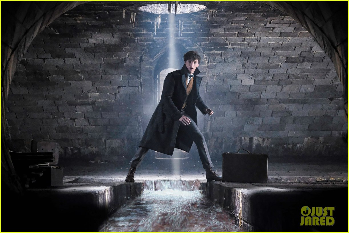 jude law johnny depp featured in new fantastic beasts the crimes of grindelwald images 054005620