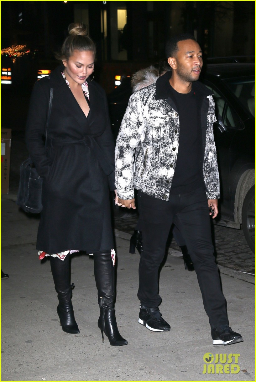 john legend pregnant chrissy teigen step out for dinner in nyc 014000676