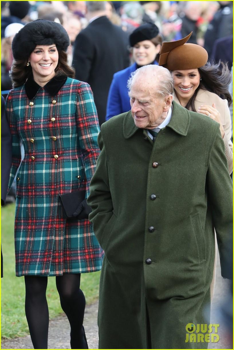 Kate Middleton Walks Alongside Meghan Markle on Christmas Morning ...