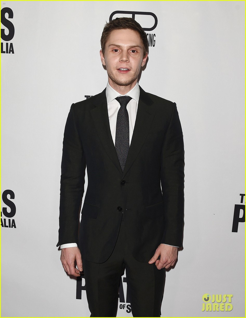 evan peters melanie griffith premiere the pirates of somalia in la 013998056