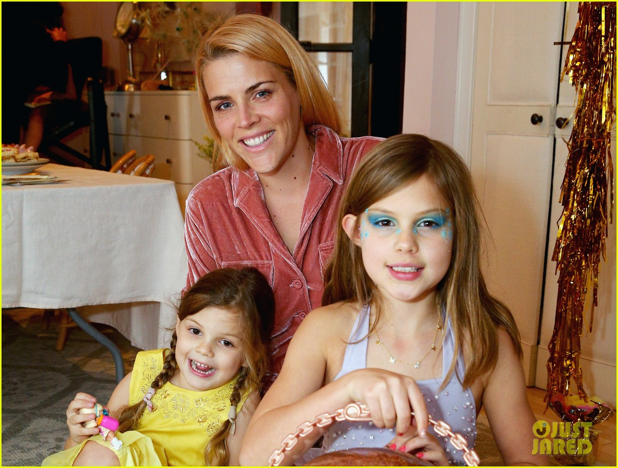busy philipps joins her daughters at a super fun slumber party 024005531