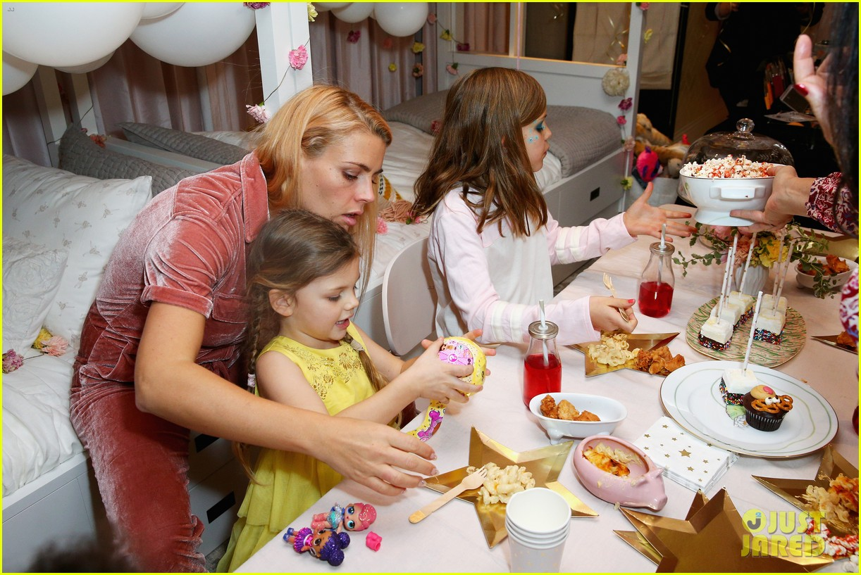 busy philipps joins her daughters at a super fun slumber party 094005538