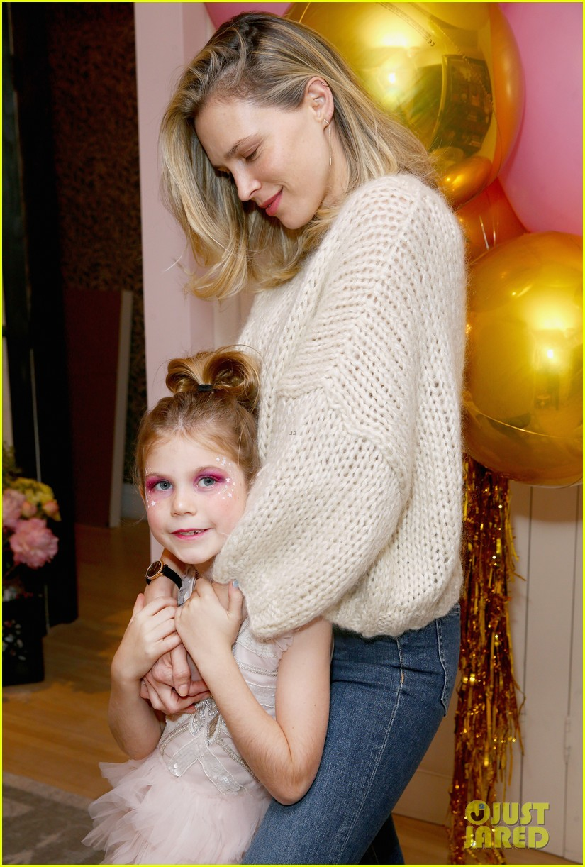 busy philipps joins her daughters at a super fun slumber party 154005544