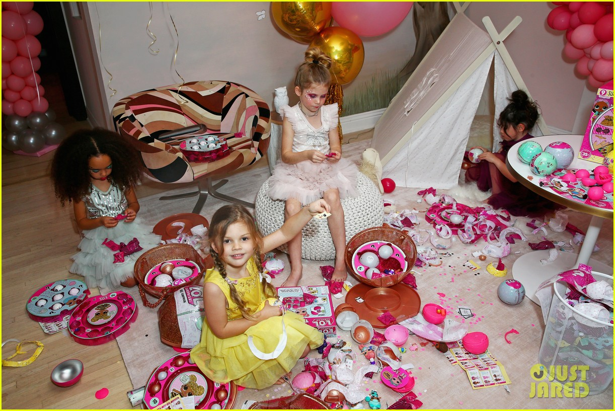 busy philipps joins her daughters at a super fun slumber party 294005558