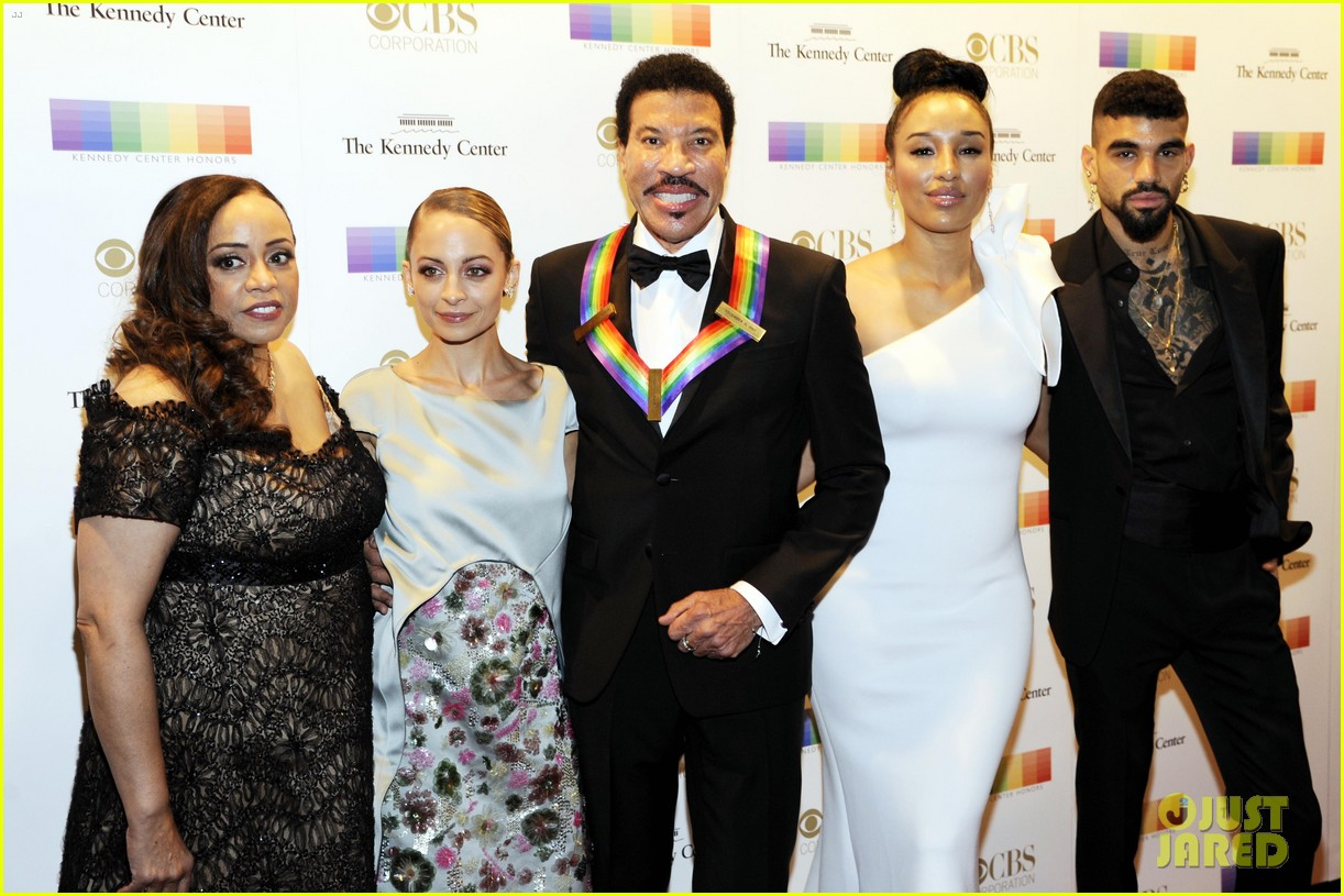 nicole richie eva longoria more help pay tribute to honorees at kennedy center 053996828