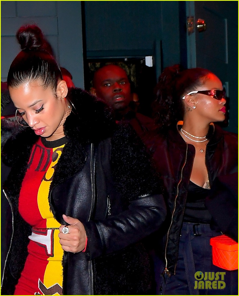 rihanna hangs out with dascha polanco 013999395