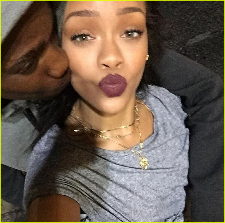 rihanna mourns the death of her cousin due gun violence 024004979