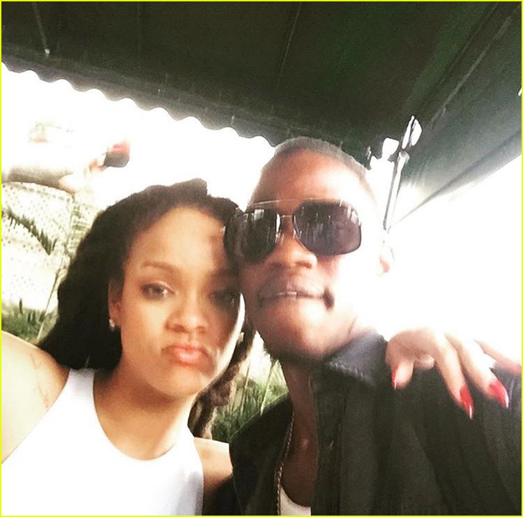 rihanna mourns the death of her cousin due gun violence 034004980
