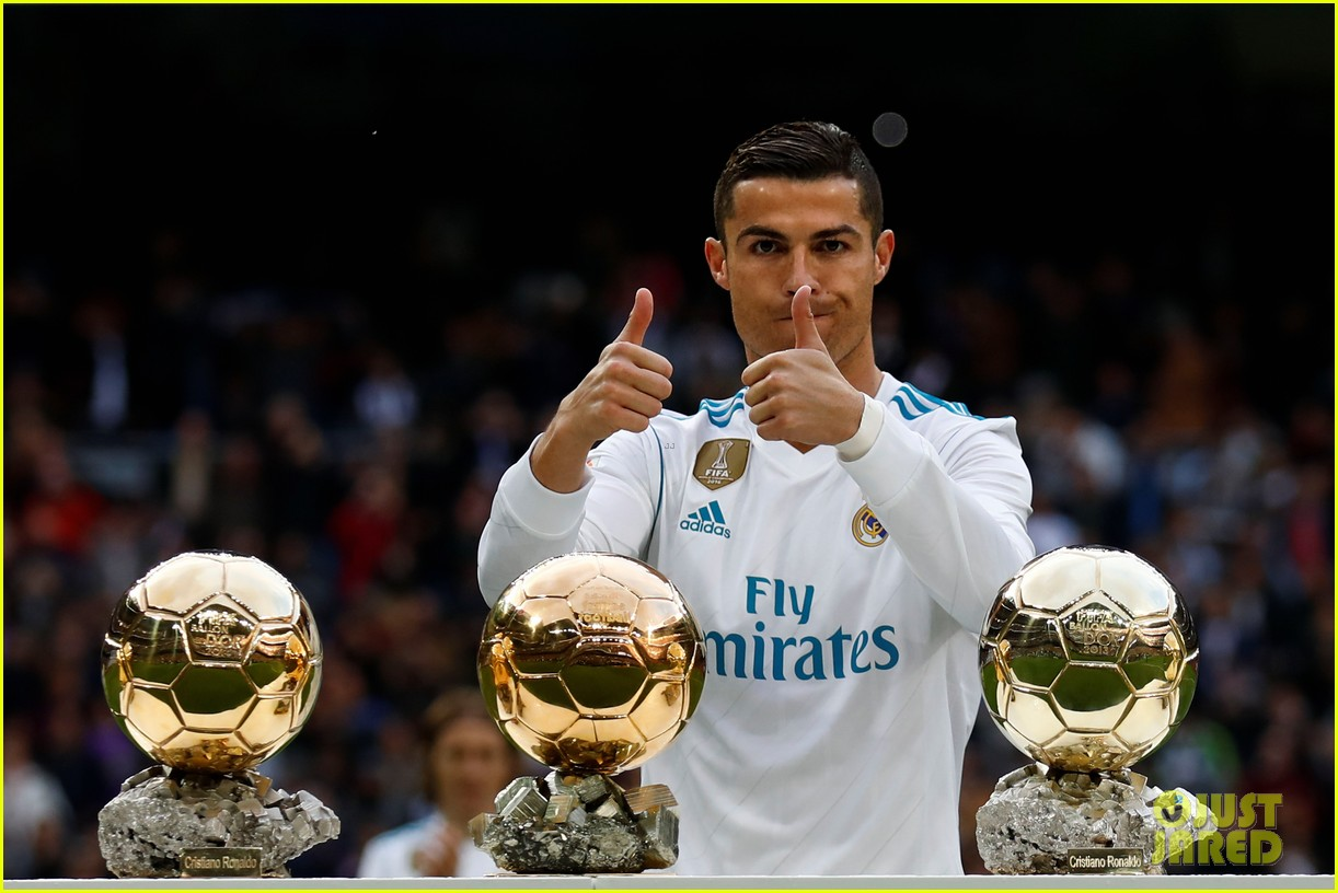 cristiano ronaldo celebrates 5 ballon dor award with son cristiano jr 083999541