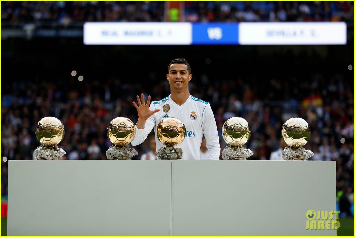 cristiano ronaldo celebrates 5 ballon dor award with son cristiano jr 123999545