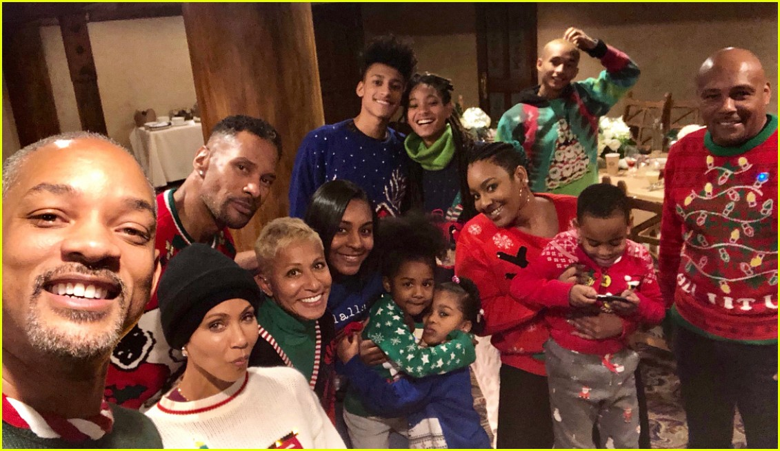 Will Smith Christmas Sweater.Will Smith Is Not Happy Jada Made Him Wear An Ugly Ass