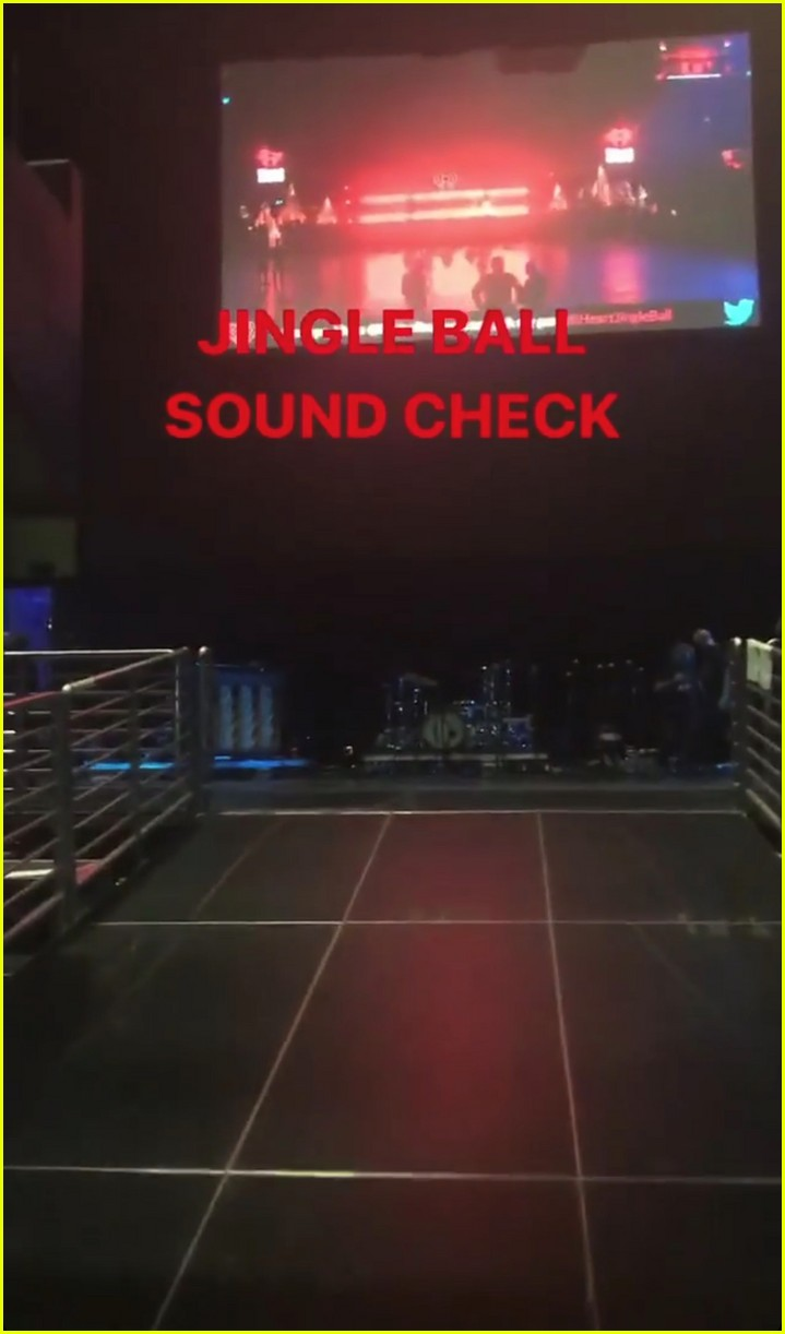 taylor swift takes fans inside jingle ball sound check 013995412