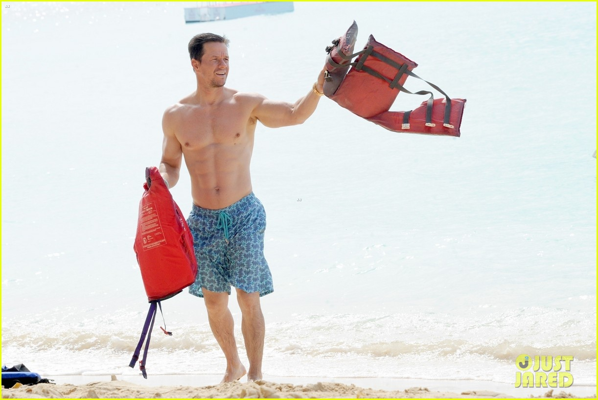 mark wahlberg joins wife rhea durham for another beach day 034005758
