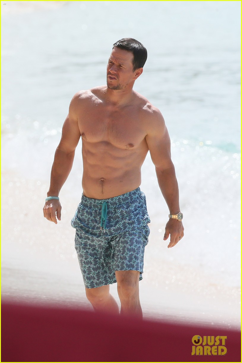 mark wahlberg joins wife rhea durham for another beach day 074005762