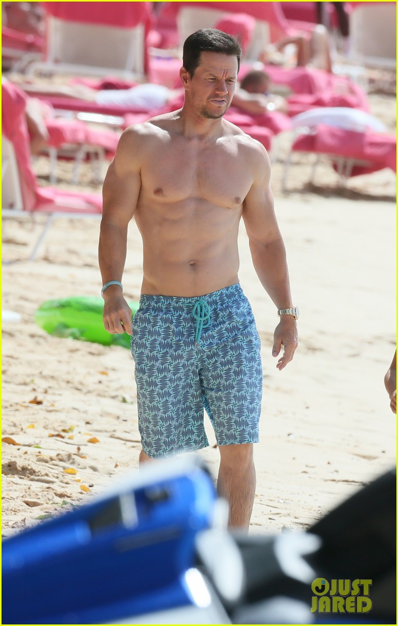 mark wahlberg joins wife rhea durham for another beach day 104005765