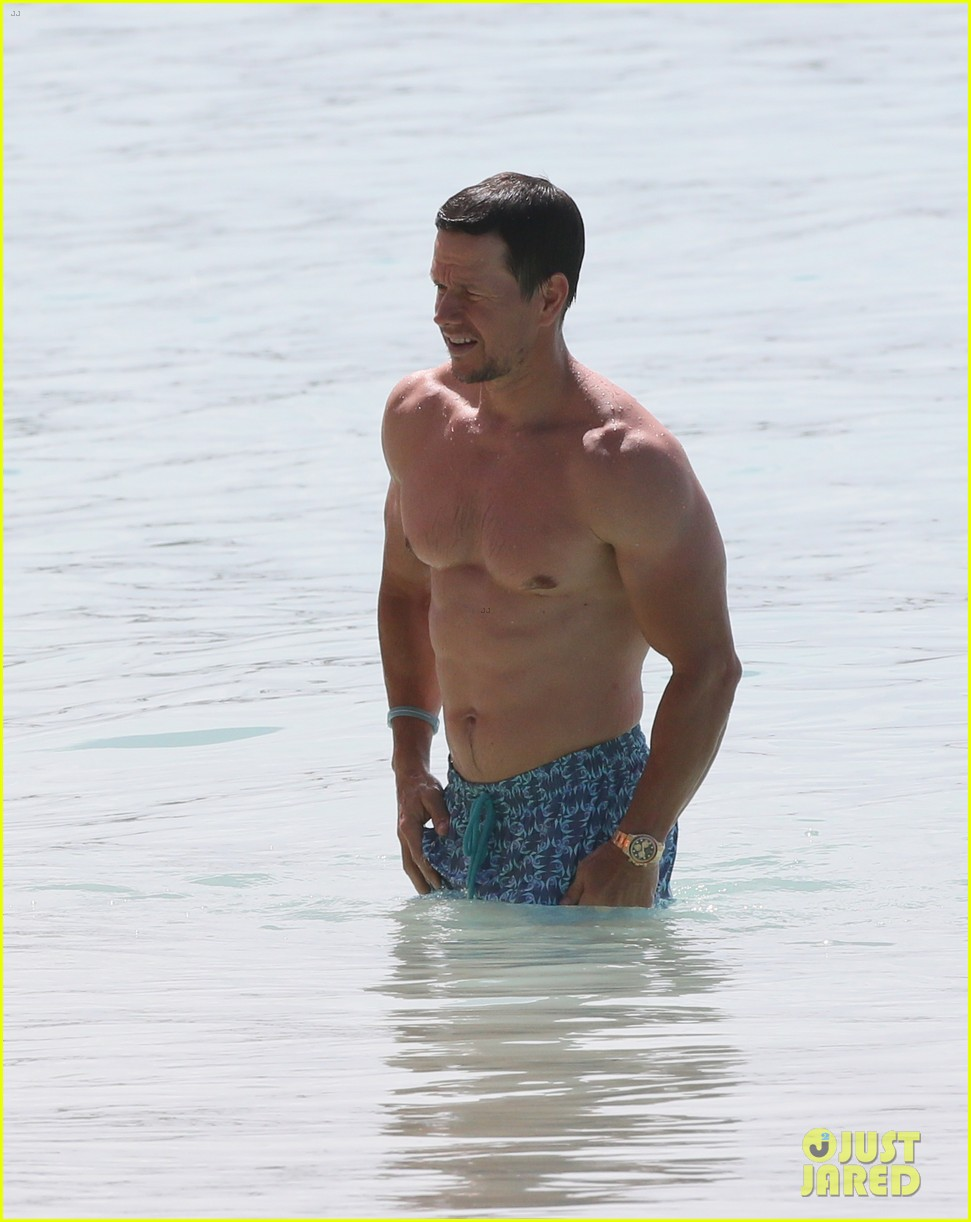 mark wahlberg joins wife rhea durham for another beach day 114005766