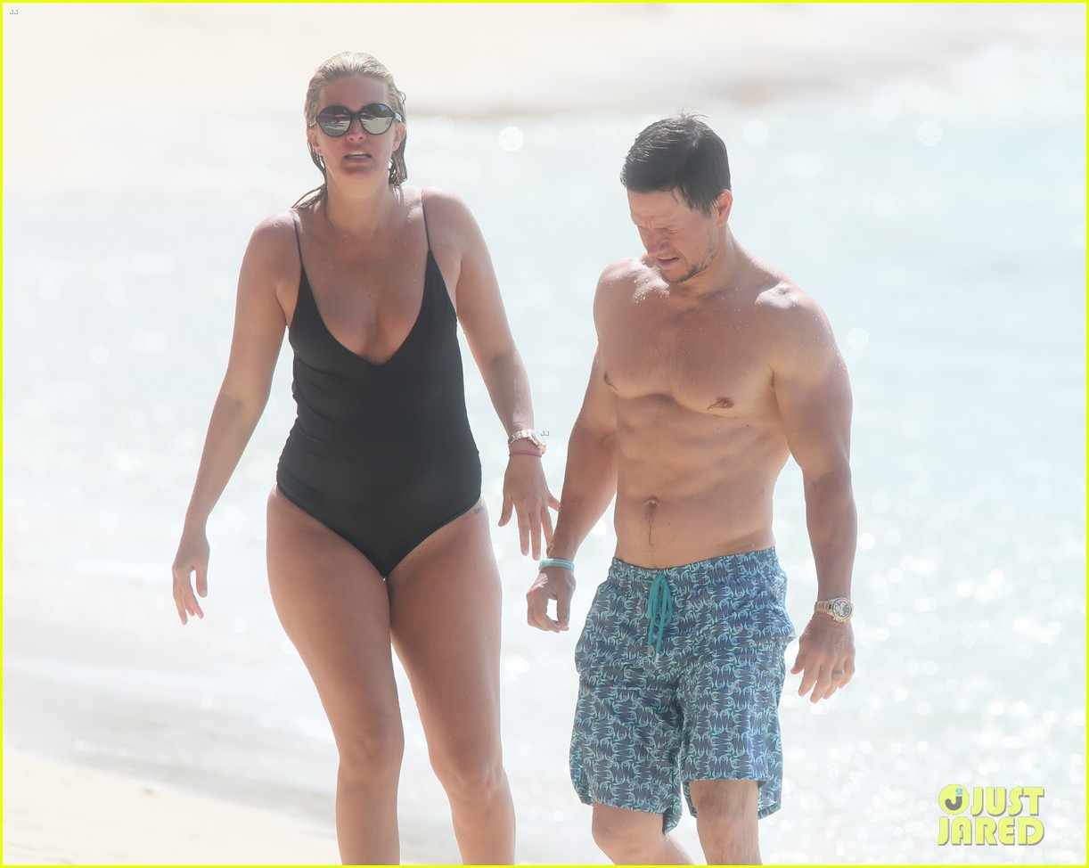 mark wahlberg joins wife rhea durham for another beach day 124005767