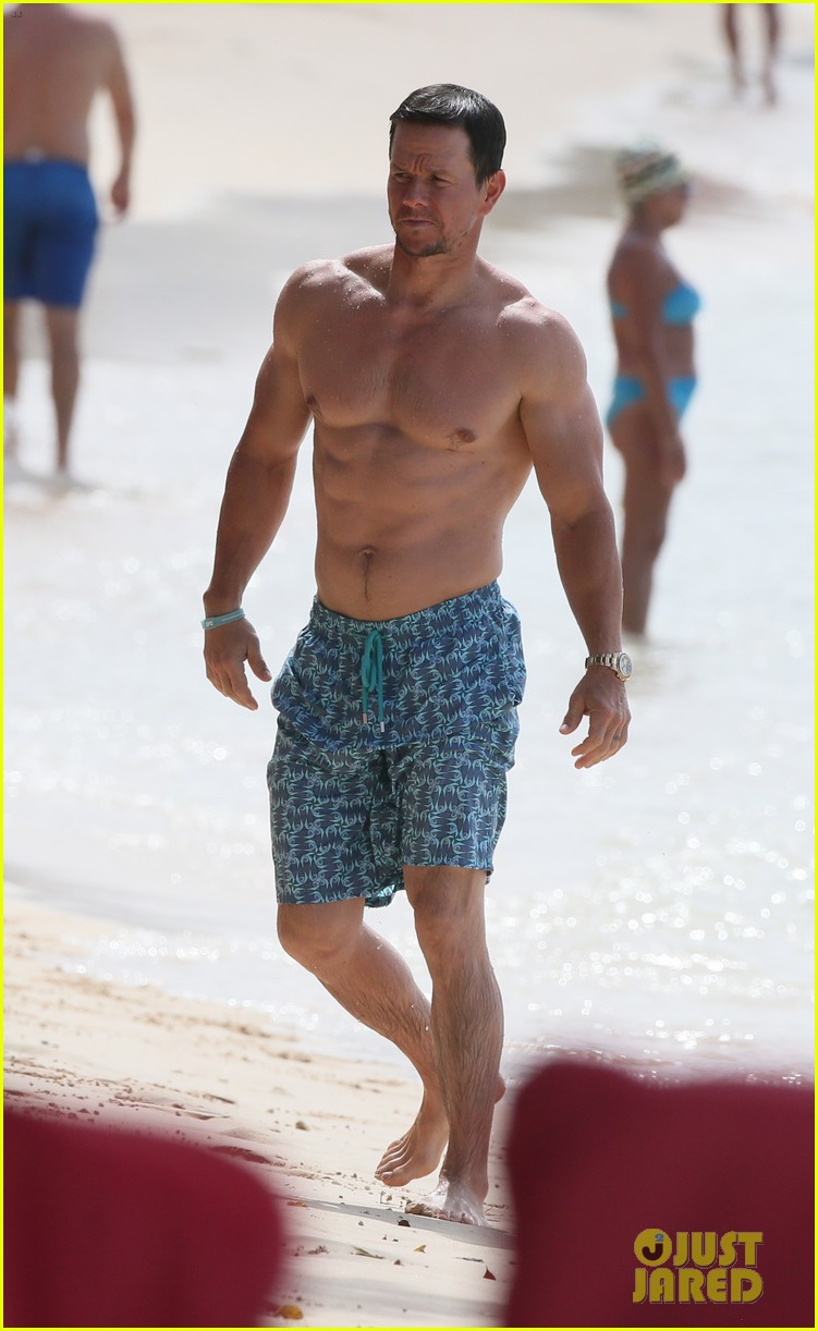 mark wahlberg joins wife rhea durham for another beach day 134005768
