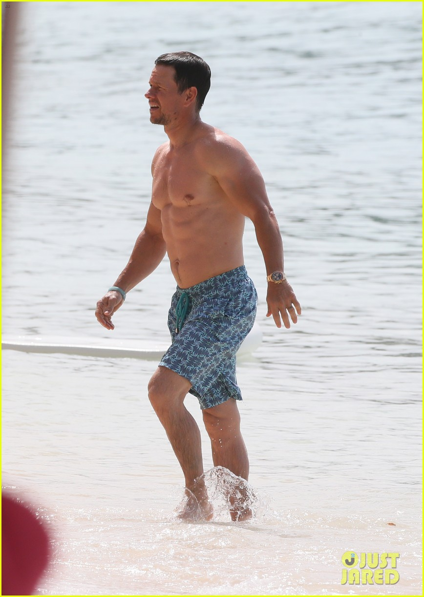 mark wahlberg joins wife rhea durham for another beach day 184005773