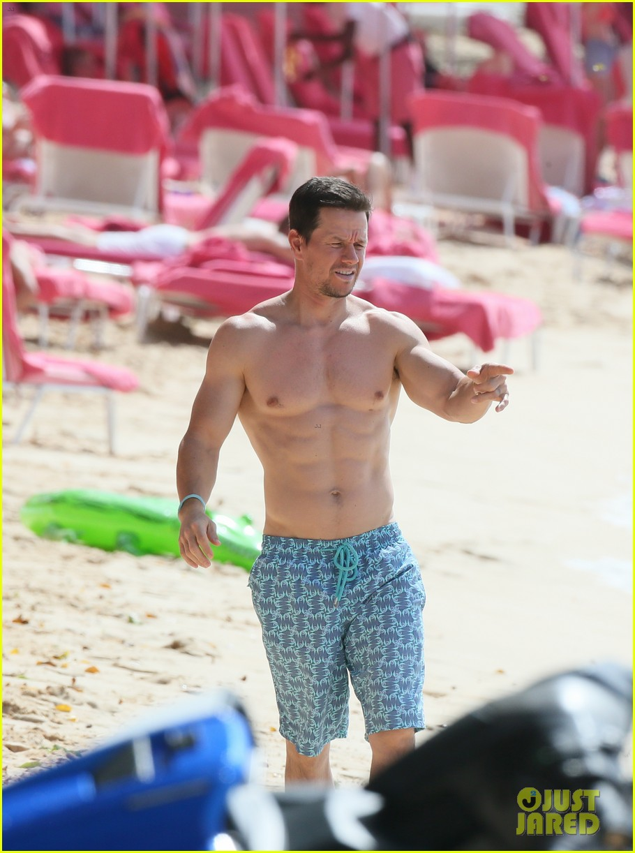 mark wahlberg joins wife rhea durham for another beach day 214005776