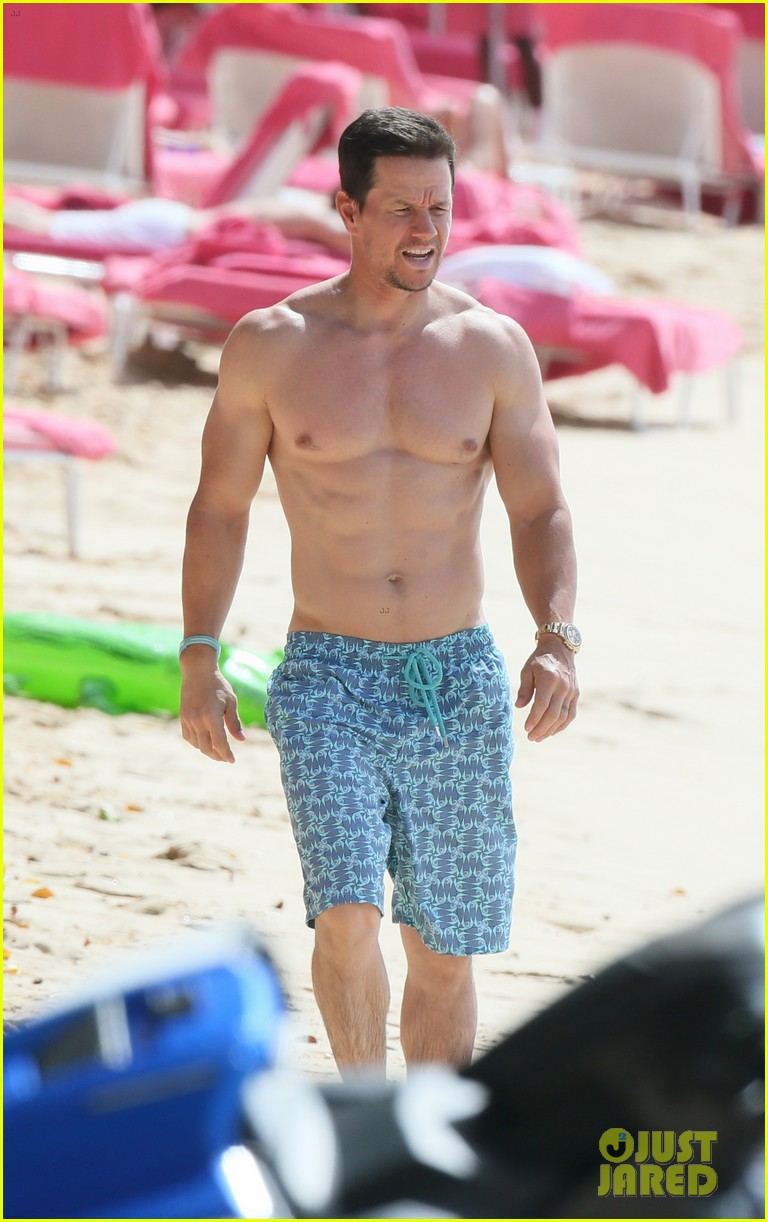 mark wahlberg joins wife rhea durham for another beach day 244005779