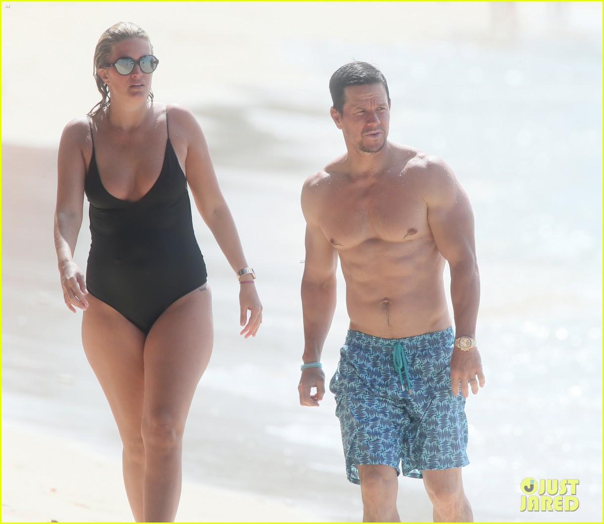 mark wahlberg joins wife rhea durham for another beach day 254005780
