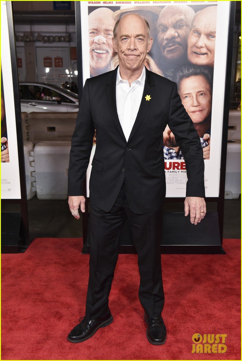 owen wilson ed helms premiere father figures in hollywood 084001230