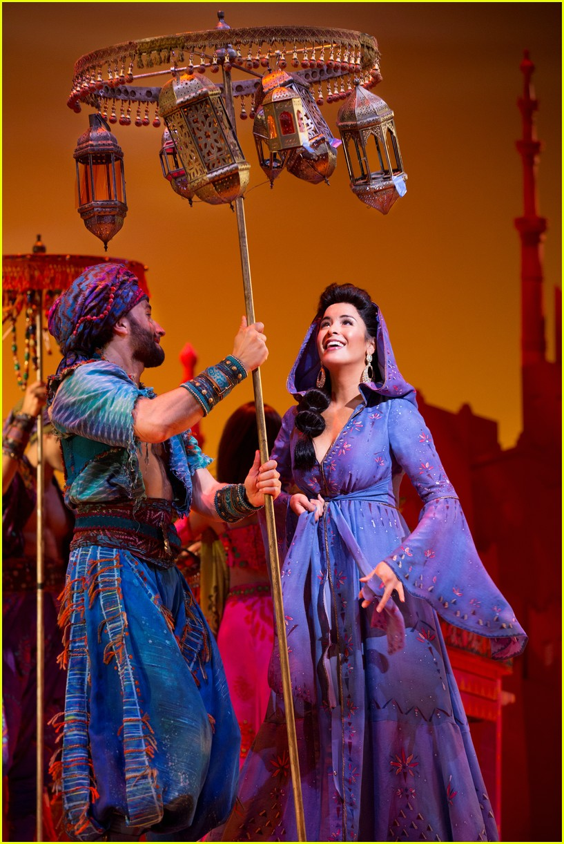 disneys aladdin opens in la with broadways original star 014013904