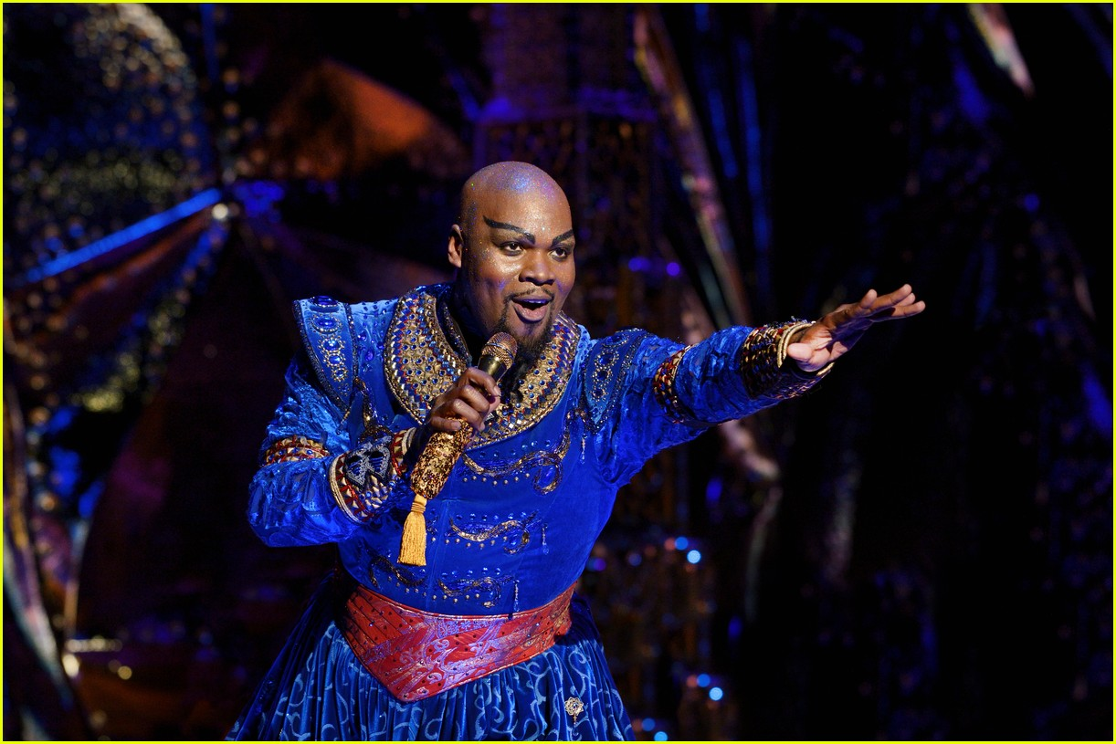 disneys aladdin opens in la with broadways original star 034013906