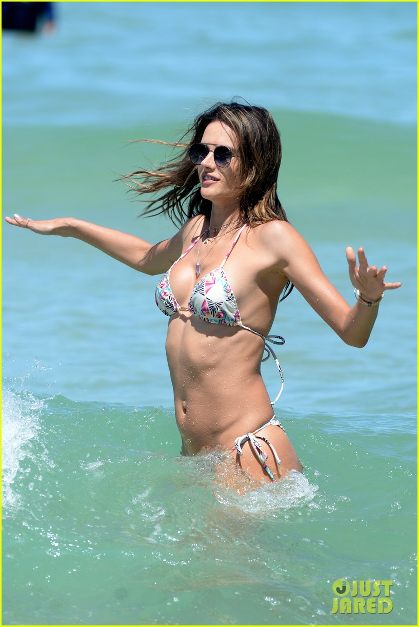 alessandra ambrosio flaunts her toned abs in brazil 054007736