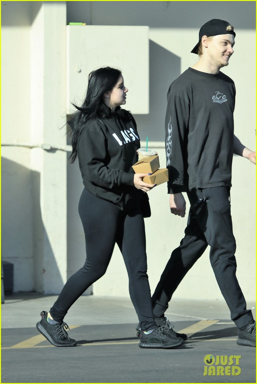 ariel winter is luckiest auntie in the world 044014454