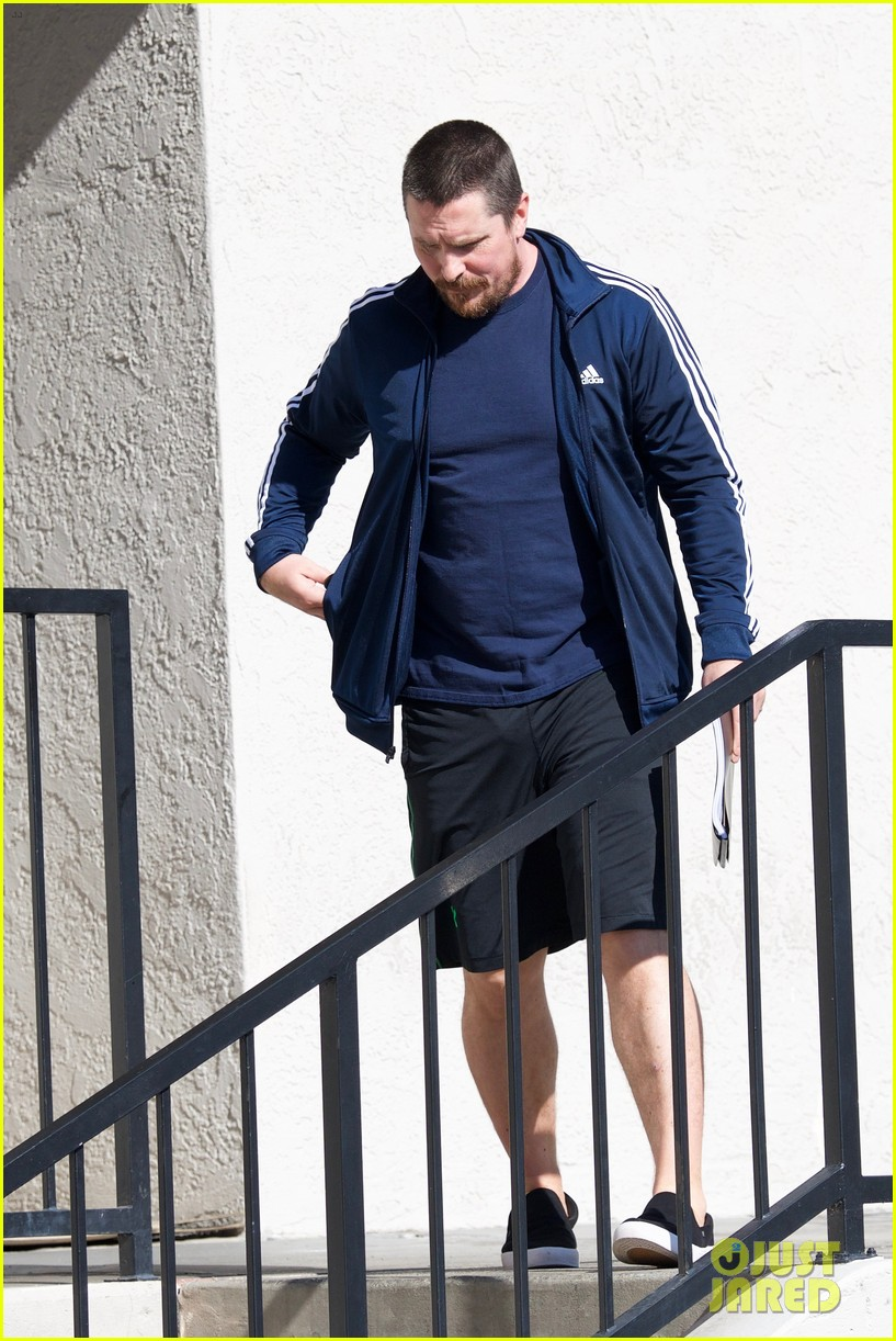 christian bale puts slimmer figure on display while out in la 034014063